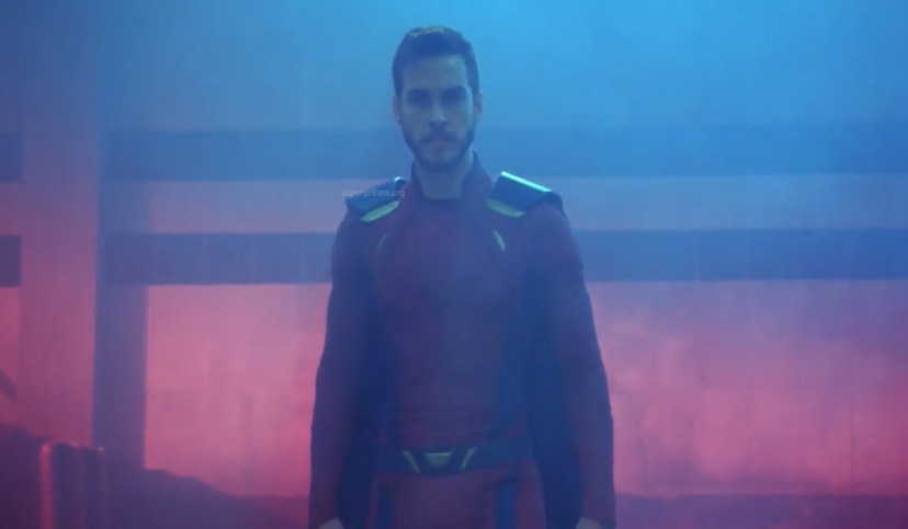 Mon-El finally suits up!